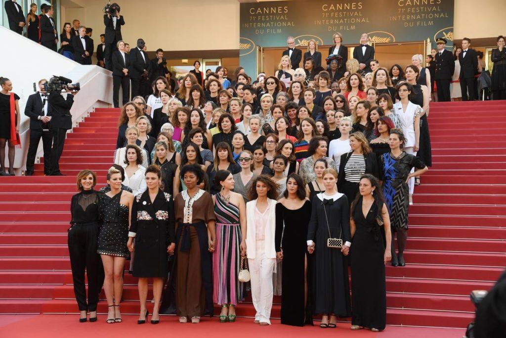 82 femmes